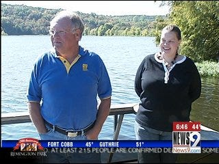 Man jumps into frigid lake to save couple