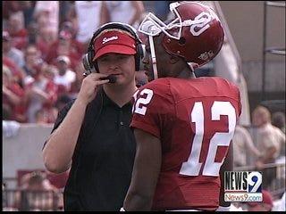 Former OU quarterback gives back