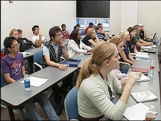 Students learn from Wall Street woes