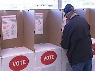 Voters opt to cast ballots early