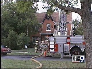OKC apartment blaze leaves 16 displaced