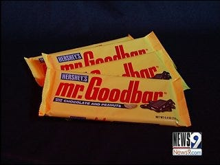 Family Discovers Bugs in Candy Bars