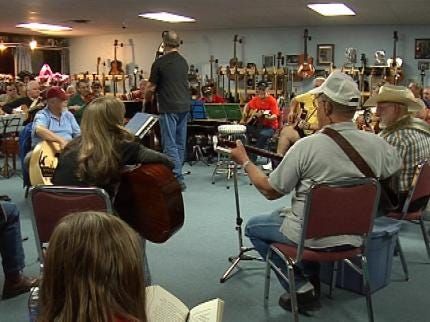 Friday Night Jam Features Music and Laughs