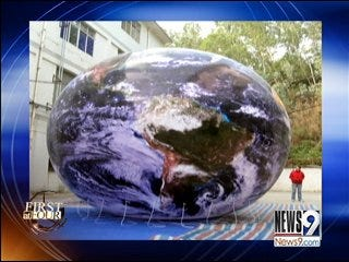 Pryor Firm Designs Balloon for Inaugural Float