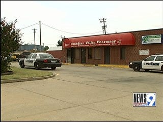 El Reno Police Searching for Pharmacy Robber