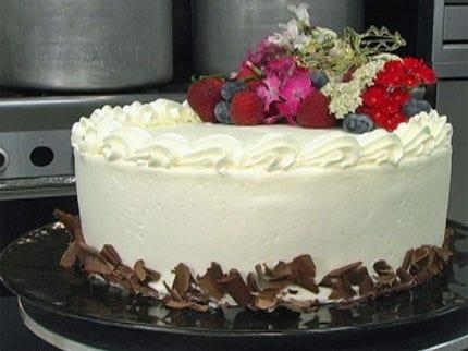 Chiffon Cream Cake with Butter Cream Icing