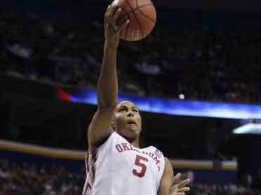 WNBA Team Cuts Ashley Paris