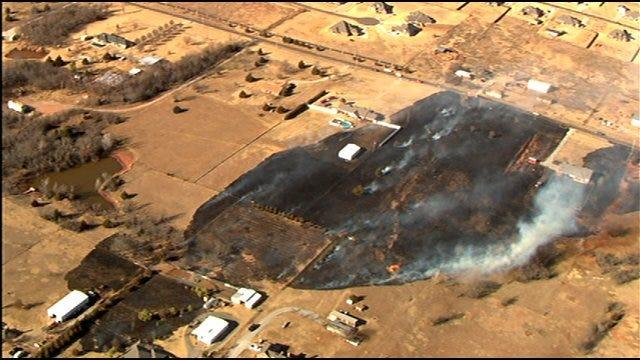 Firefighters Battle Grass Fire Near Homes In Southeast OKC