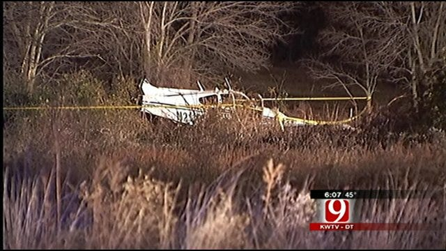 2 Escape After Plane Crash In Eastern Oklahoma