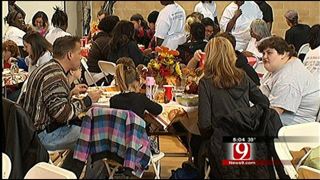 OKC Homeless Shelter Packed For Thanksgiving Meal