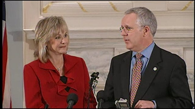 Governor Henry Welcomes Governor-Elect Fallin During Joint News Conference