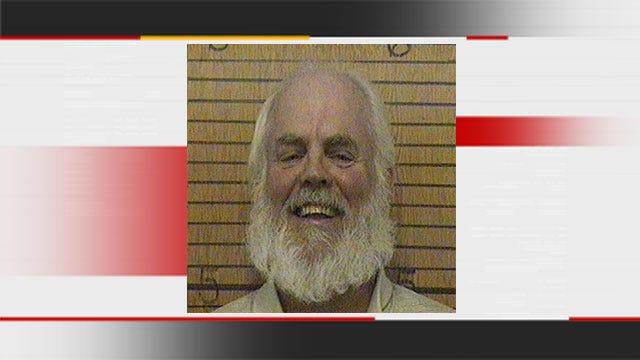 Federal Judge In Oklahoma City Sentences Man Who Plays Santa To Prison