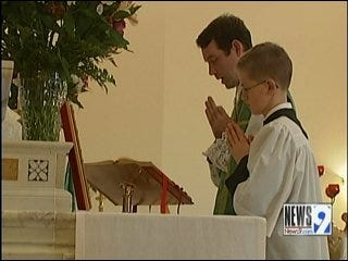 New Church Hosts Services in Latin