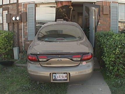 Car Crashes into Southwest OKC Apartment