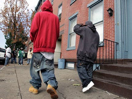 Man Shoots Teen in Buttocks Over Saggy Pants