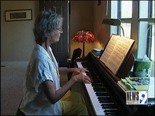 Piano Teacher Hears Music for First Time in 60 Years