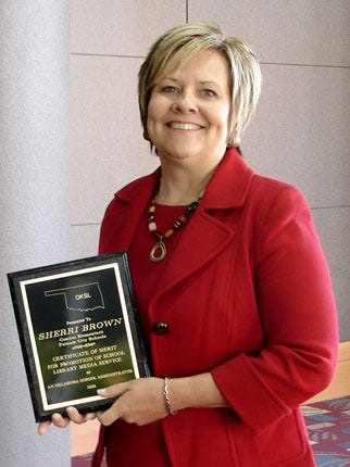Putnam City Central Elementary Principal Wins Library Award