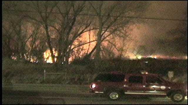 Firefighters Battling Grassfire In N.E. Oklahoma City
