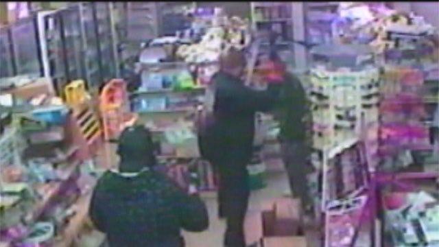 Convenience Store Clerk Unmasks Suspect During Lexington Robbery