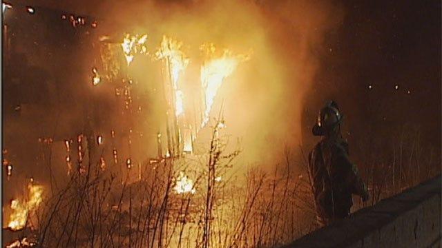 Crews Spend Hours Battling Del City Apartment Fire