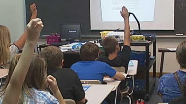 Edmond Teachers Vote To Extend School Day