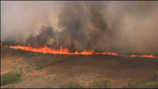 Structures Threatened By Grass Fire In S.E. Oklahoma County