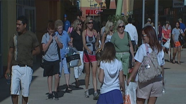 OKC's New Outlet Mall Packed, Parking A Problem