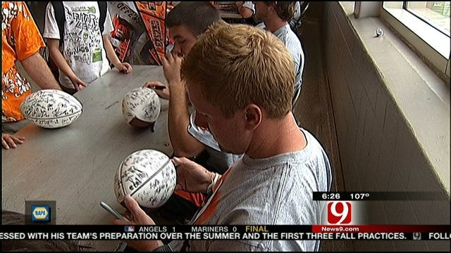 Oklahoma State Holds Annual Fan Day