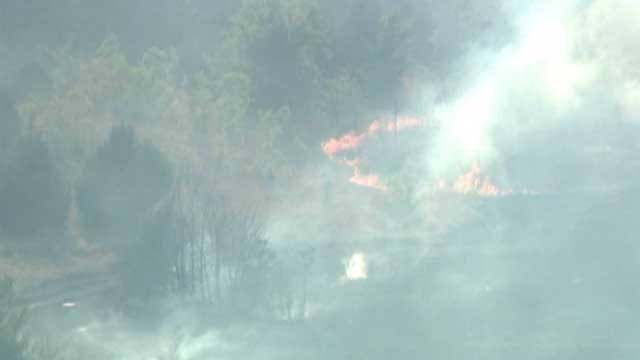 Firefighters Battle Large Grassfire In Pottawatomie County