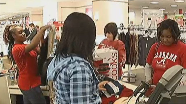 Metro Stores Stay Open Late For Last-Minute Christmas Shoppers