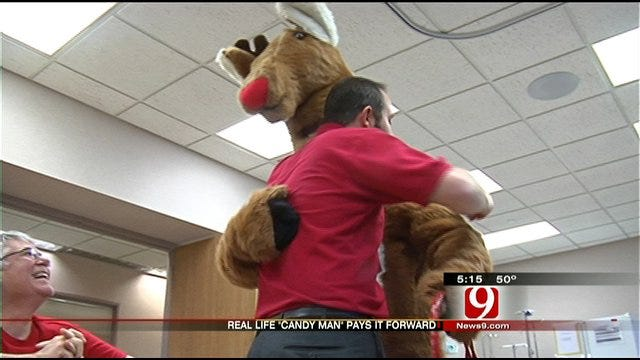 'Candy Man' Shares Treats, Encouragement With Patients