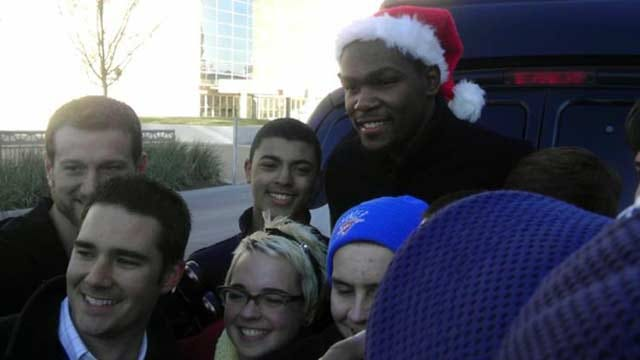 Kevin Durant Spreads Holiday Cheer Around OKC
