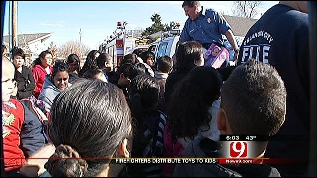 OKC Firefighters Spread Christmas Cheer