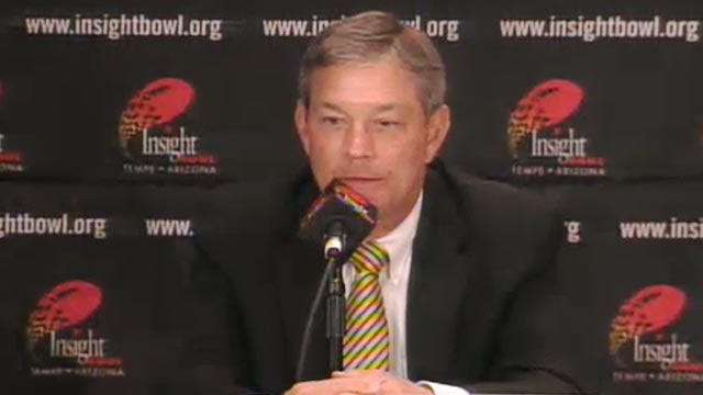 Stoops and Ferentz Give Final Thoughts Before Insight Bowl