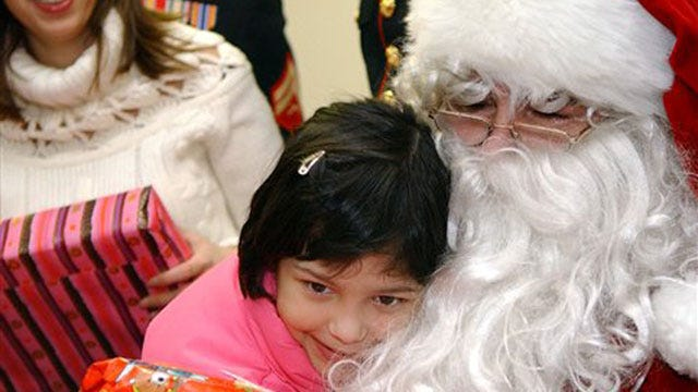 Edmond Police Offer Free Photo With Santa To Metro Kids