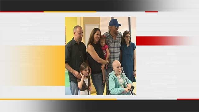 Oklahoma Country Music Star Helps Children With Cancer