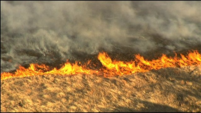 Large Grassfire Burns Over 30 Acres In Canadian County