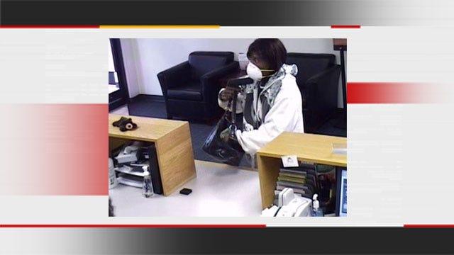 Cross-Dressing Robber Hits N.W. Oklahoma Bank