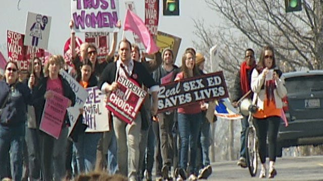Oklahoma Pro-Choice Supporters Protest Planned Parenthood Cuts
