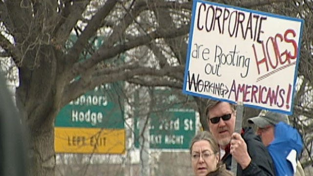 Oklahomans Protest To Show Support For Wisconsin Union Workers
