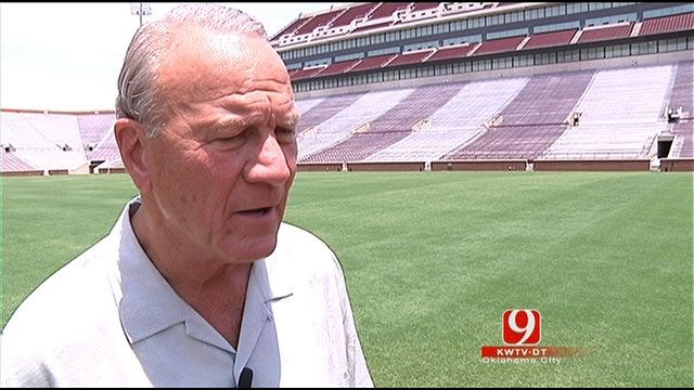 One-On-One: Dean Blevins With Barry Switzer