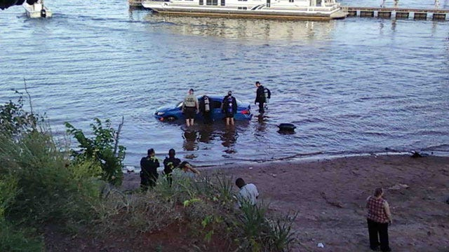 Woman Drowns At Lake Thunderbird, Man Tries To Save Her