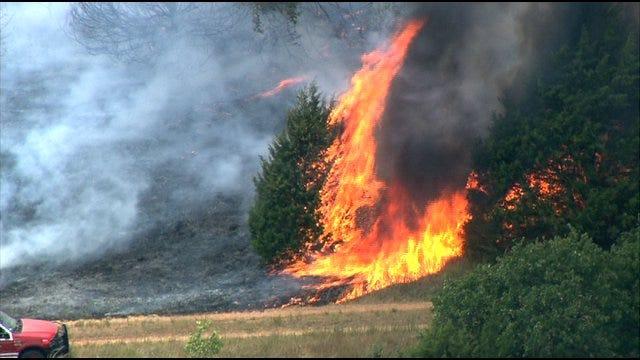 Edmond Fire Department Evacuates Residents Near Grassfire