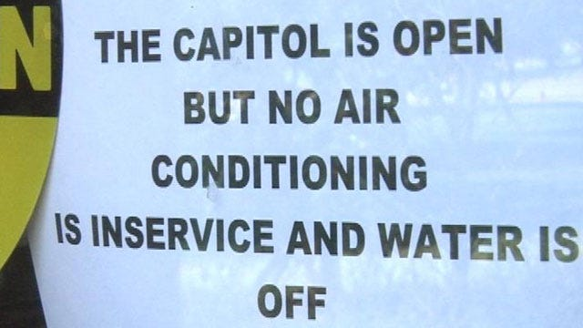 State Capitol Shutdown Doesn't Bother Tourists