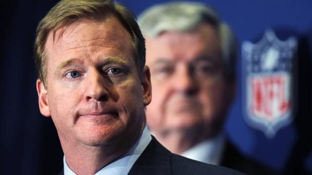 NFL Players Approve Deal To End NFL Lockout