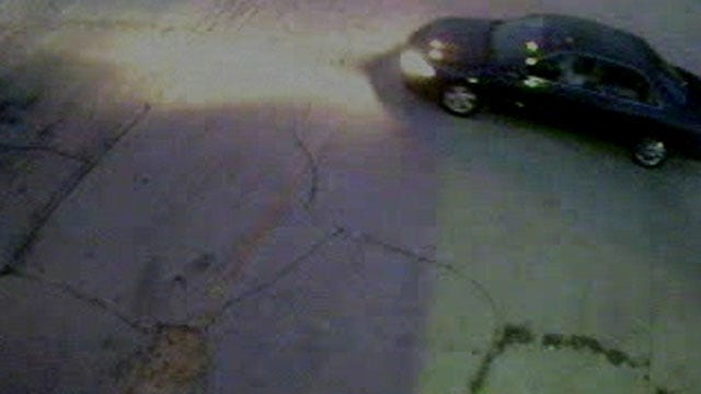Surveillance Camera Snaps Photos Of OKC Burglary Suspects