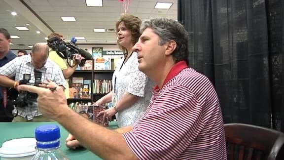 Mike Leach Holds Book Signing In Oklahoma City