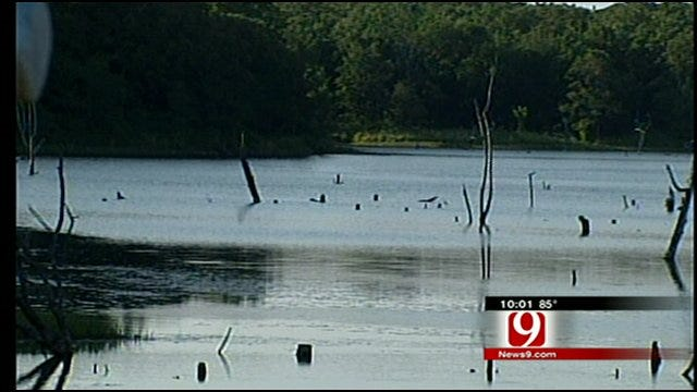 Search Continues For Missing Man at Prague Lake