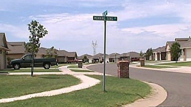 Rash Of Auto Burglaries Reported In Deer Creek Area