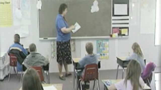 Oklahoma Board Of Education Cuts Teacher Bonuses